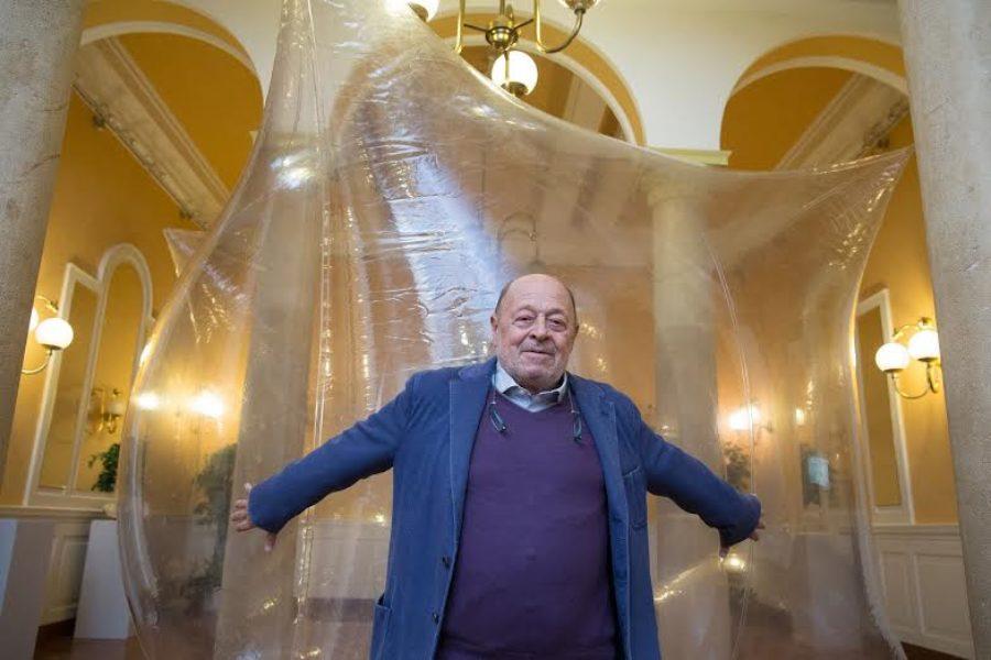 """In ospedale arrivano le opere di Franco Mazzucchelli, l'artista dei """"fiumi puliti"""""""