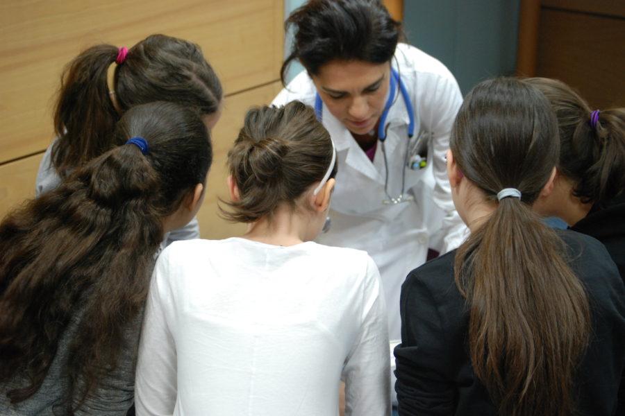 """170 studenti a """"scuola"""" dai cardiologi per capire il cuore"""