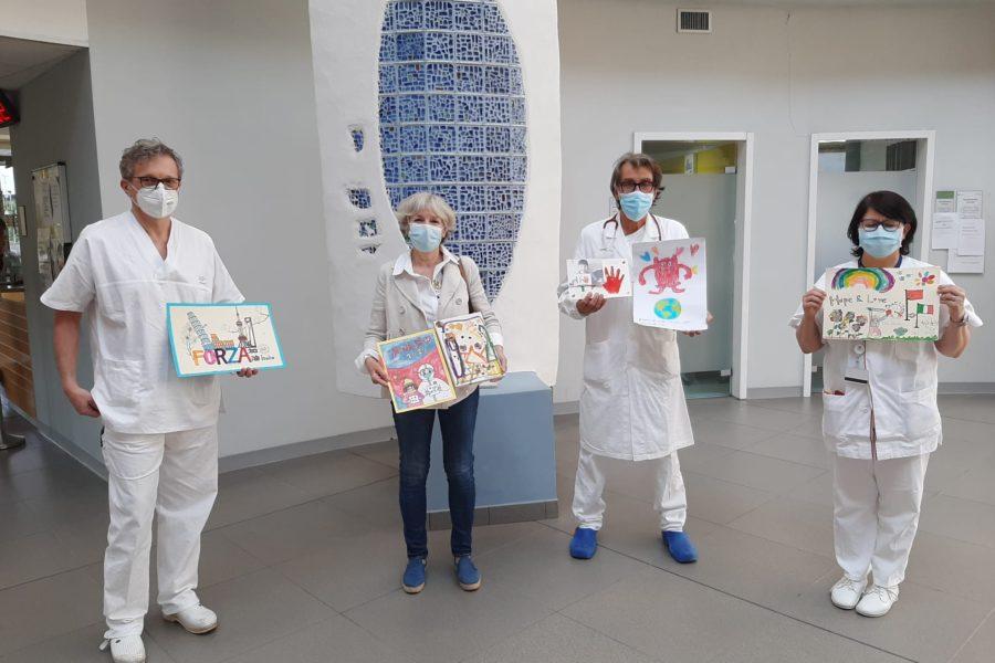 I bambini di Shanghai mandano disegni e mascherine alla Pediatria dell'ospedale