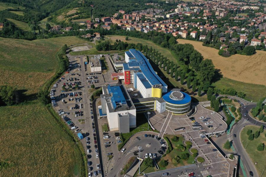Ospedale di Sassuolo, lavori in corso davanti all'ingresso